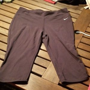 Nike  dri fit workout capris, size M, black
